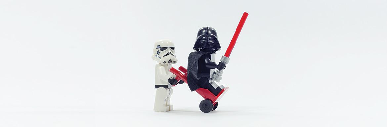 Hogyan küldte nyugdíjba a Lego a fakockát?
