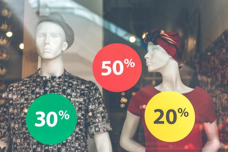 Online vásárlás vs. boltban vásárlás Black Friday idején
